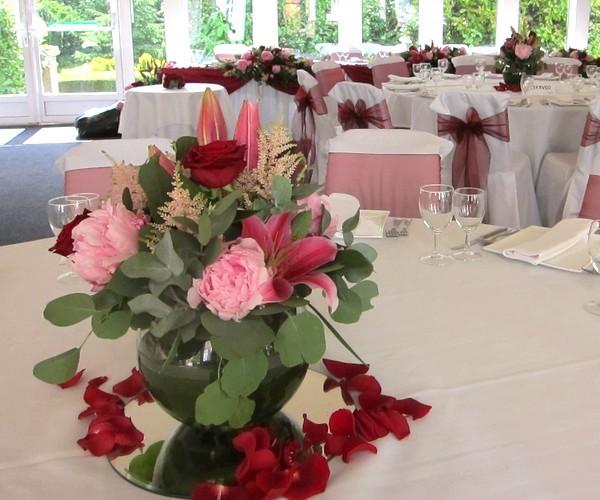 Wedding Flowers Pretoria: DeVere Hotel, Hunton Park, Hunton Bridge, Herts